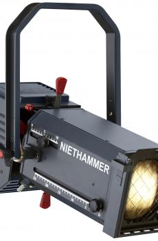 Zoom profile spotlights 2.000 W with Fan